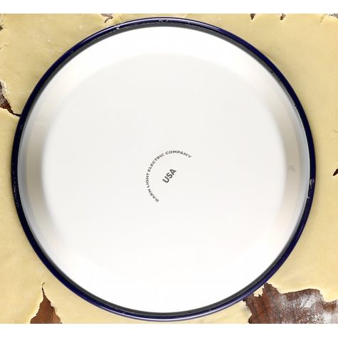 Special Edition Enamelware Pie Plate | Photo Courtesy of Miss in the Kitchen Blog